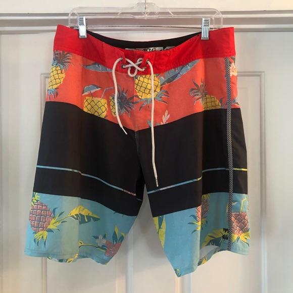 Billabong Platinum Board Shorts Size 33